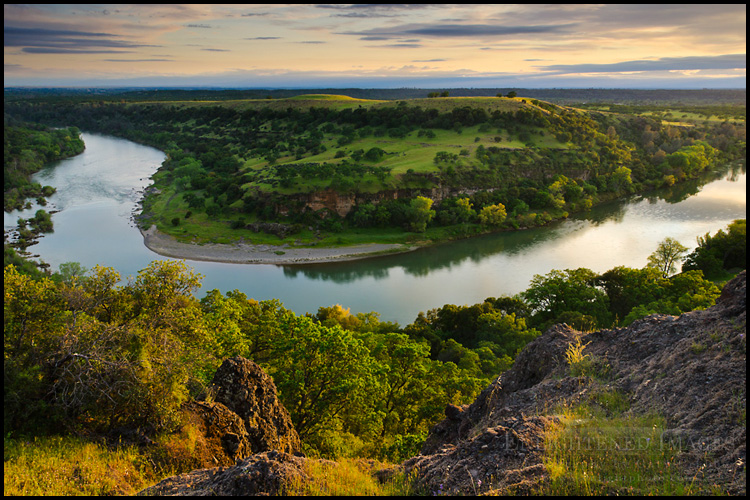 Image: Overlooking a bend in the Sacramento River, near Red Bluff, California