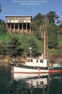 Fishing boat in the noyo river near fort bragg mendocino for Fort bragg fishing